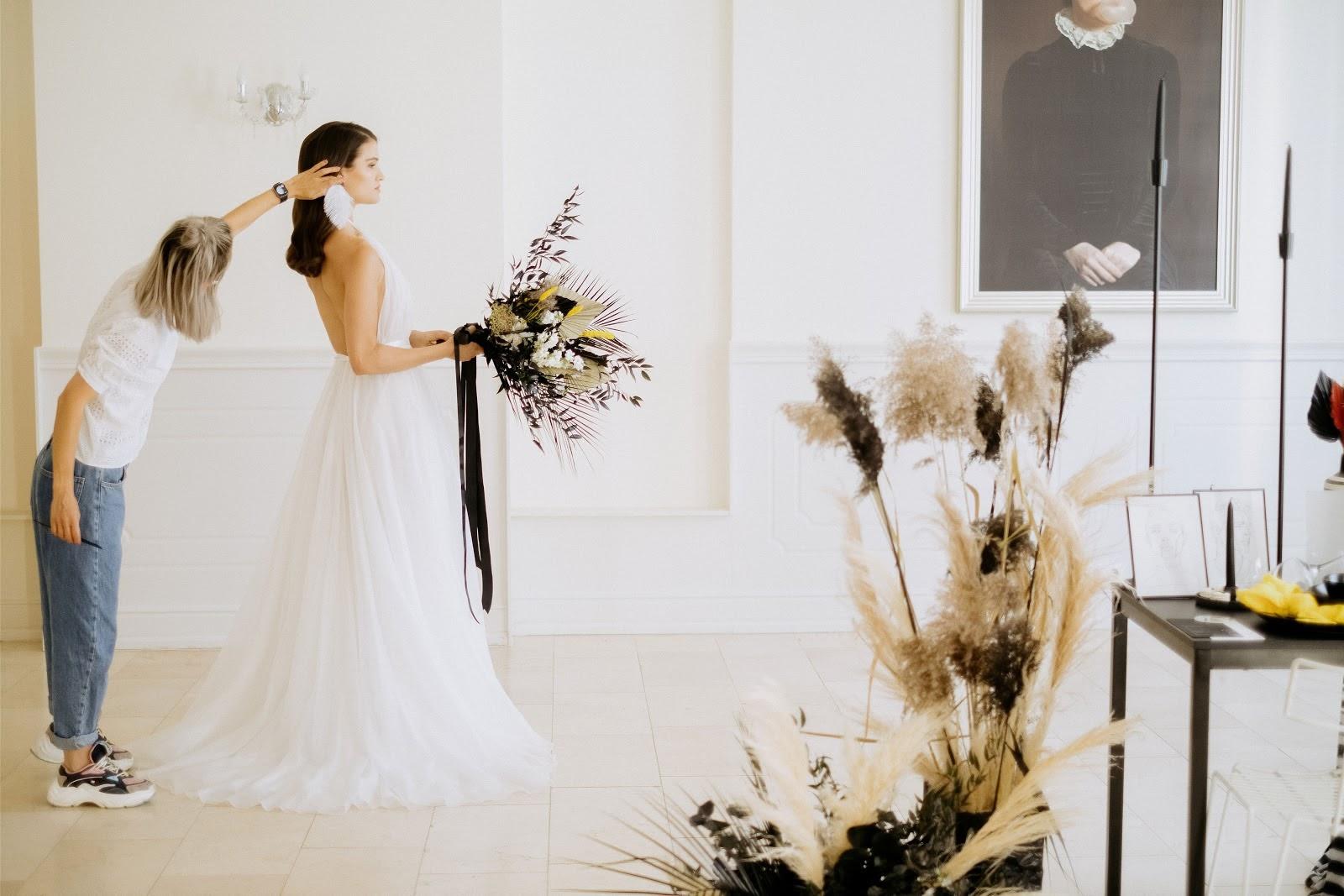 2021-es esküvői frizura trendek